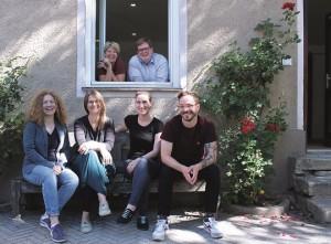 Team-Schmellerstrasse_300-highres_4c_offene-tuer_web (002)